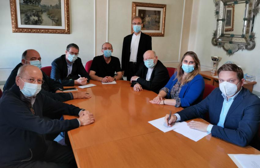 Mira, firmato oggi il protocollo tra Comune e parrocchie per la creazione di un Osservatorio sociale