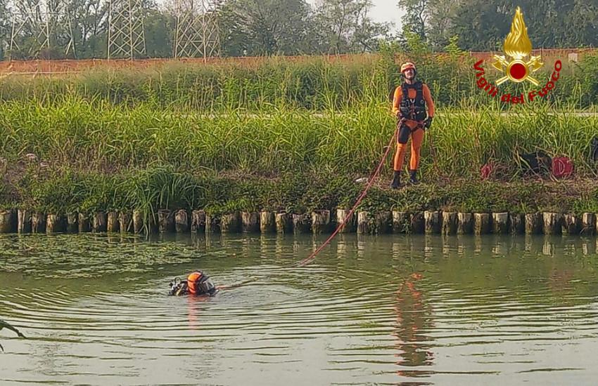 Mira, cade dalla barca nel Brenta e annega