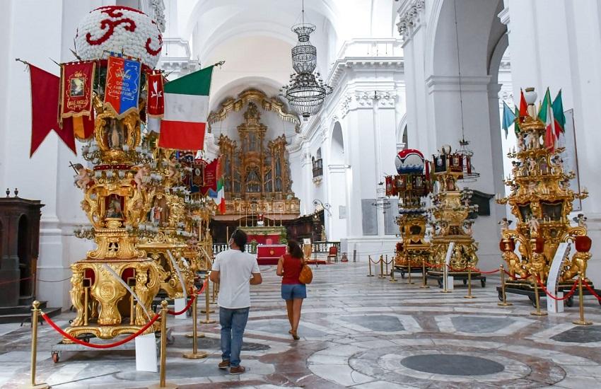Catania, restaurata la Candelora dei Panificatori di piazza Dante – FOTO