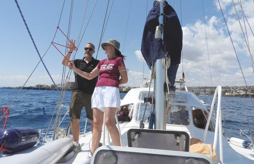 Dalla Spagna ad Acitrezza in barca a vela per la scienza del Mediterraneo