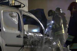Notte di fuoco a Favria: in fiamme un furgoncino