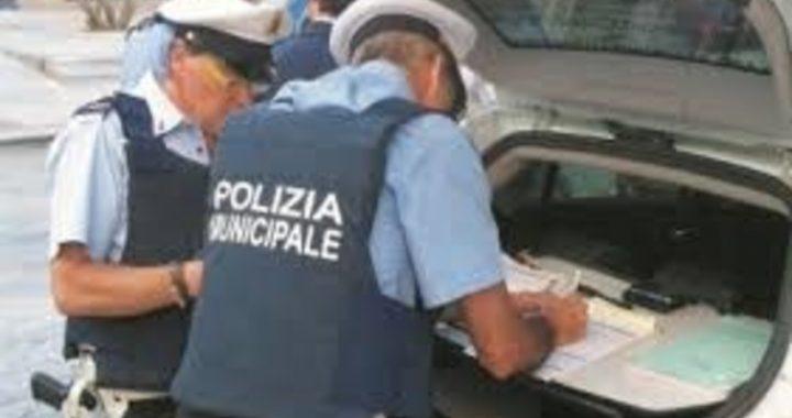 Polizia Municipale di Vittoria: lotta alle fumarole, all'abbandono dei rifiuti, agli abusivi. Numeri di incidenti in calo grazie a un'attenta attività di controllo e di vigilanza sulla circolazione stradale