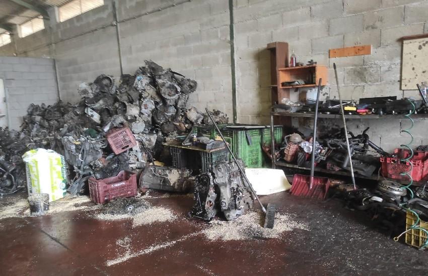 Sezze, sequestrato un deposito illegale di rifiuti: una denuncia