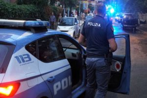 Controlli straordinari della Polizia in provincia di Ragusa. Arrestato a Marina anche giovane latitante ricercato con mandato d'arresto europeo