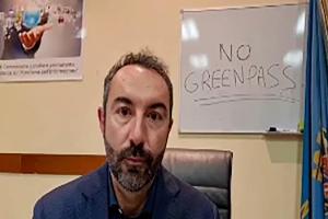 Il consigliere Davide Barillari occupa gli uffici della Regione Lazio