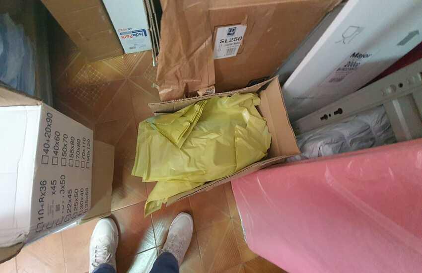 Palermo, Sequestrato dalla Polizia Municipale magazzino con sacchetti di plastica illegali