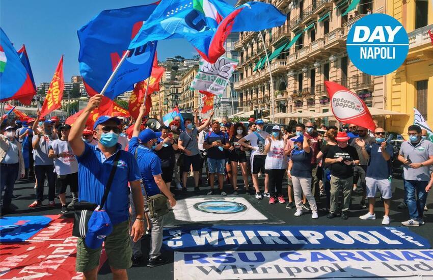 """Whirlpool, i lavoratori tornano a Roma: """"Bisogna evitare i licenziamenti"""""""
