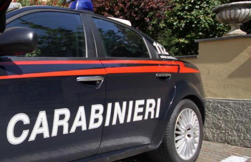 Tufello, 91enne sola in casa e senza cibo, i carabinieri le portano la spesa a casa