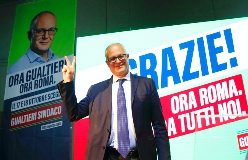 Roberto Gualtieri, nuovo sindaco di Roma. I risultati del ballottaggio e la festa del centrosinistra
