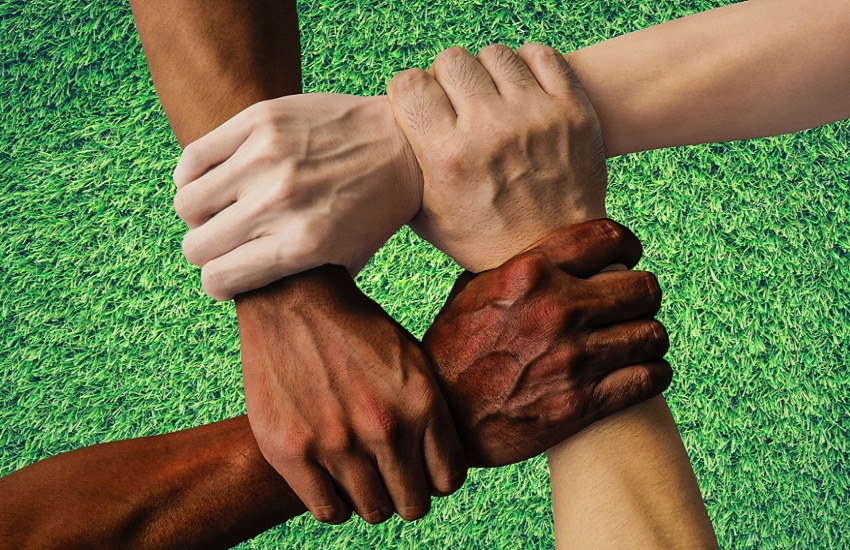 Calcio, #stopracism: Firenze dice no al razzismo