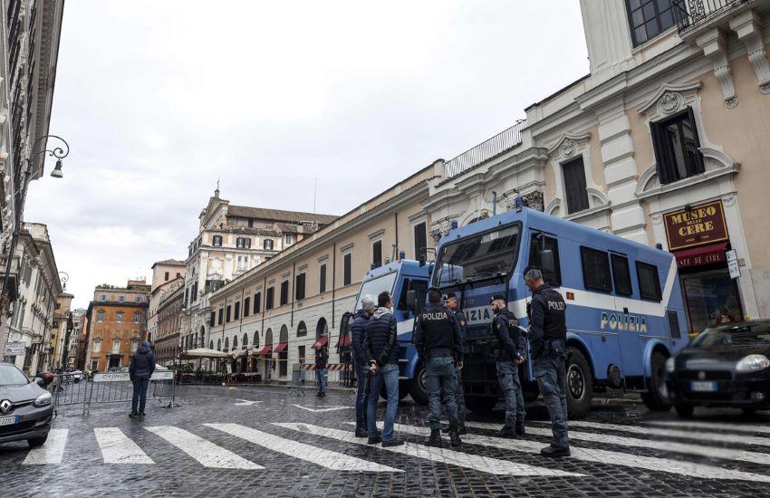Basta proteste a Roma centro, la Prefettura sposta le prossime manifestazioni No Green Pass