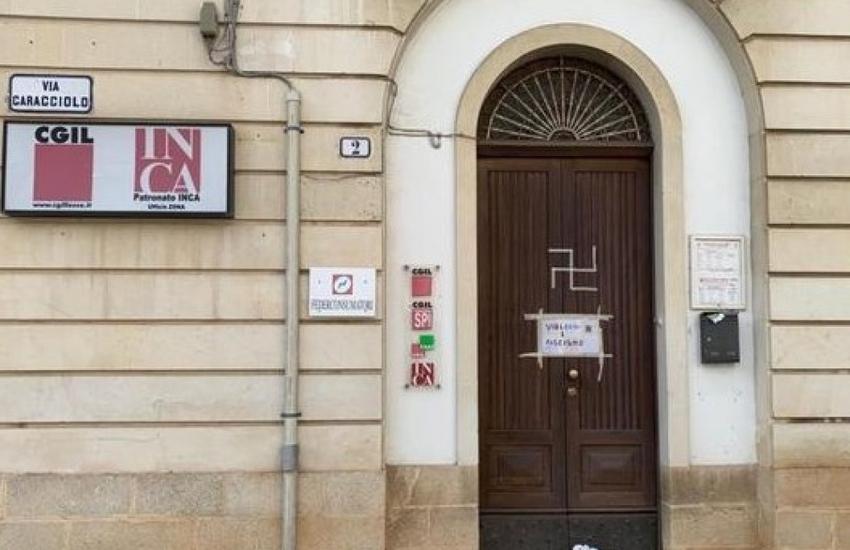 Raid contro la sede della Cgil, denunciato per apologia del fascismo 29enne
