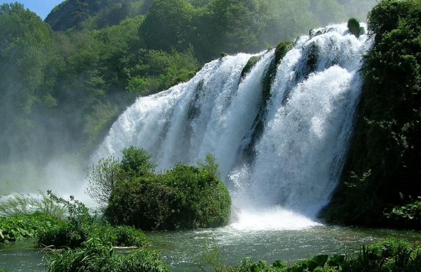 Terni: immergersi nella cascata delle Marmore (nel contesto di un museo)